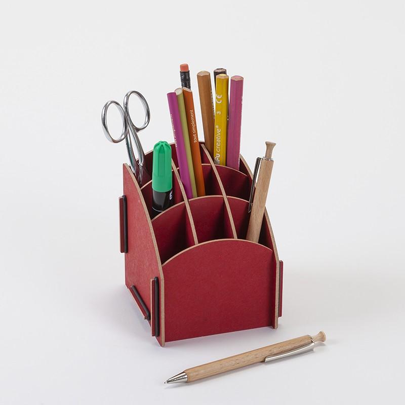 Pot à crayon rouge en bois avec 9 compartiments